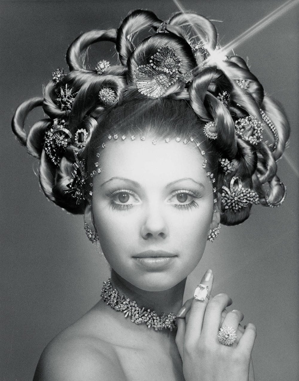 The-original-Hair-Jewel-created-by-Laurence-Graff-OBE-in-1970