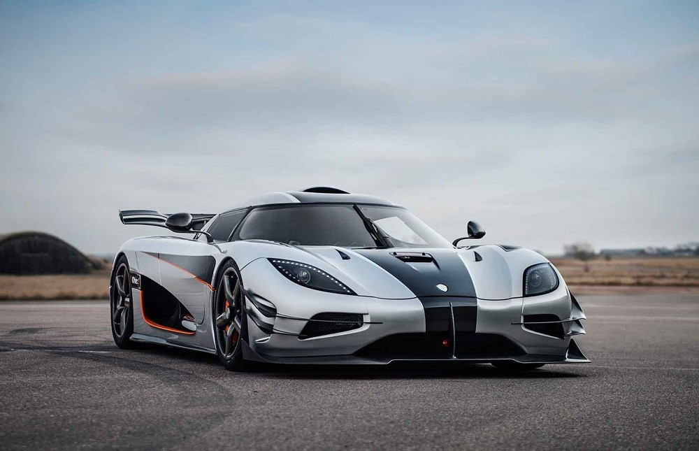 Koenigsegg Agera One1 Vista Frontal Lateral Circuito