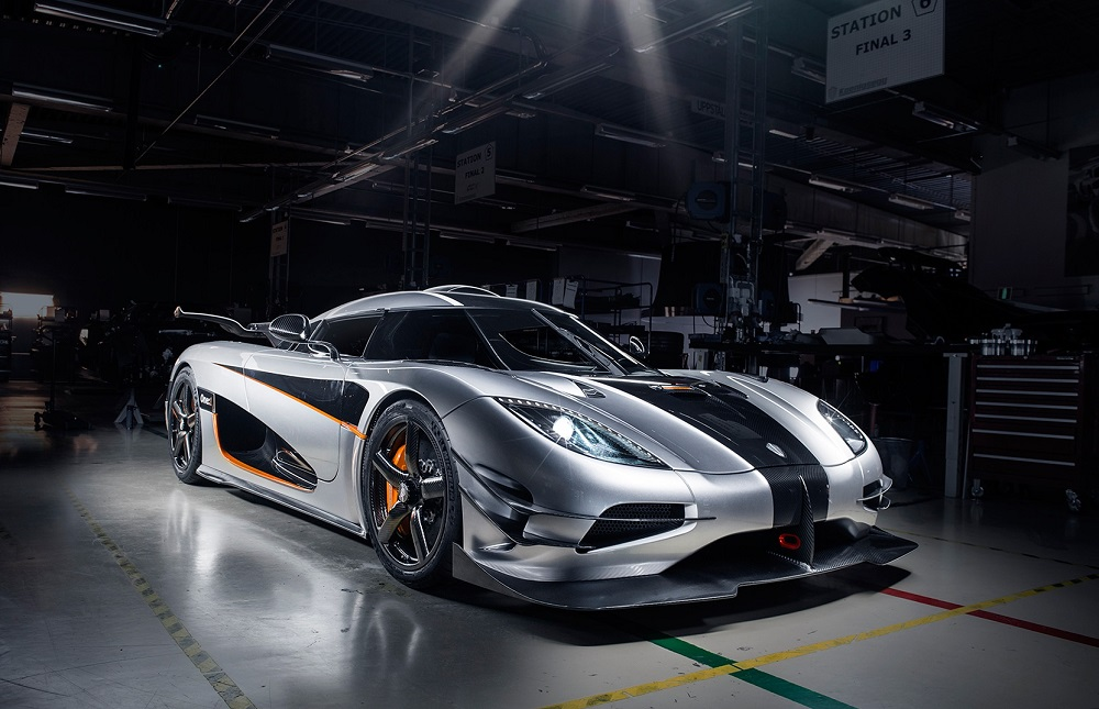 Koenigsegg Agera One1 Vista Frontal Lateral Garaje